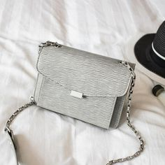 $31.14 (Buy here: https://alitems.com/g/1e8d114494ebda23ff8b16525dc3e8/?i=5&ulp=https%3A%2F%2Fwww.aliexpress.com%2Fitem%2F2016-New-High-Quality-Simple-Lizards-Mini-Chain-Small-Bag-Women-Messenger-bag-Crossbody-Bags-Clutch%2F32707054432.html ) 2016 New High Quality Simple Lizards Mini Chain Small Bag Women Messenger bag Crossbody Bags Clutch Leather Handbag Shoulder bag for just $31.14