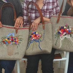 Embroidery Purse, Silk Ribbon Embroidery, Embroidery Patterns, Machine Embroidery, Patchwork Bags, Quilted Bag, Japanese Bag, Brazilian Embroidery, Boho Bags