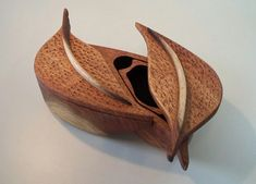 Woodworking Near Me Woodworking Tools List, Woodworking Lathe, Woodworking Projects, Jewellery Boxes, Jewelry Box, Wood Box Design, Box Maker, Woodworking Inspiration, Small Boxes