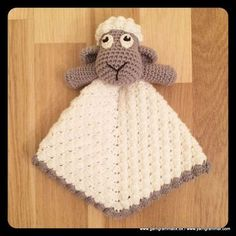 Må absolut lave det her nusse får til bettemanden. Crochet Lovey, Crochet Baby Toys, Crochet Toys Patterns, Crochet For Kids, Amigurumi Patterns, Stuffed Toys Patterns, Crochet Yarn, Baby Knitting, Granny Stripes
