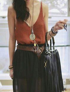 Like the accessories here, especially the pendant necklace.