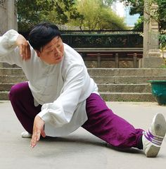 Tai Chi from the lineage of Li Ruidong (1851-1917). Li was an accomplished martial artist who created his own, Li Style, tai chi after learning from a student of Yang Lu Chan. - taichicrossroads.blogspot.com - #TaiChi #Taijiquan