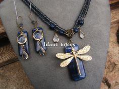 parure libellule , collier et boucles d'oreilles , lapis lazulli et perles de cristal , pièce unique !! : Parure par lilicat