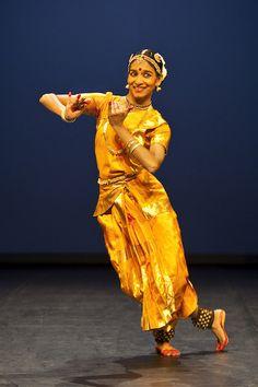Shantala Shivalingappa Dance Review – Kuchipudi Artist Enchants Chicago Audience | Splash Magazines | Chicago