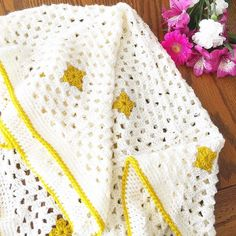 Yellow #popofcolor Is finished! That means we are on schedule for Friday mornings etsy shop update. Link in profile. There will be five colors in total being listed. What color is your favourite? . . . #shopupdate #etsyshopupdate #etsyshop #etsy #etsyseller #blanketforsale #blanketsforsale #crochetblanket #crochetforsale #babyshower #babygifts #babyblanket #baby #newbaby #toddlers #childrensblanket #children by megsmadeit