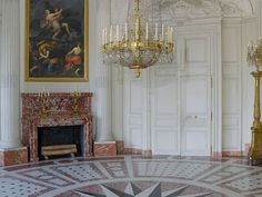 The Palace of Versailles: Le Grand Trianon, The round room © EPV