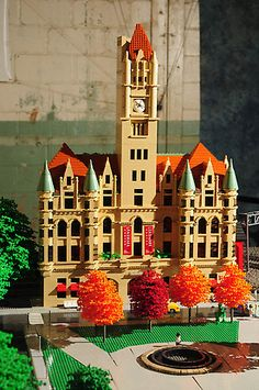 Brickmania Toyworks, Minneapolis