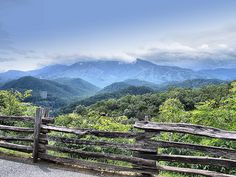 Smoky Mountains Tennessee - One of the most beautiful places on earth. Smoky Mountains Tennessee, Great Smoky Mountains, Places To Travel, Places To See, Smoky Mountain National Park, Smokey Mountain, Smoky Mtns, Blue Mountain, Appalachian Mountains