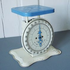 I used to have an antique scale in my old barn...it was bigger and I wish I still had that scale..