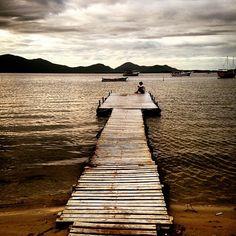 Florianópolis | 2015.  #sunshine #pordosol #florianopolis #floripa #lagoa #rendeiras #lagoadaconceição #santaebelacatarina #santacatarina #outono #autumn #landscape #latinoamerica #love #life #outonoseulindo #lake #sc #igersfloripa #viversc #ilhadamagia #brazil #brasil #vento #brisa #instadozamigos