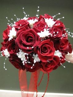 beautiful  rose wedding bouquets | Photo Gallery - Photo of a Beautiful Red Rose Wedding Bouquet