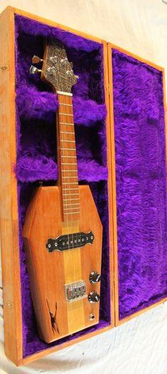 Honni music Coffin Concert in case #LardysUkuleleOfTheDay #Ukulele ~ https://www.pinterest.com/lardyfatboy/lardys-ukulele-of-the-day/ ~