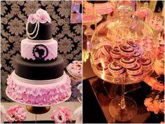 decoracao_aniversario_3_anos_paris6 Barbie Birthday, Barbie Party, Bolo Barbie Paris, Ladybug, Birthdays, Bolo Fake, Parties, Cakes, Paris Party