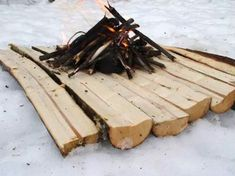 Laying down a split log platform is a terrific way to get your fire up off the cold wet or snowy ground in a bushcraft or survival situation but there are numerous others! Click the image to learn more! Survival Food, Homestead Survival, Wilderness Survival, Camping Survival, Outdoor Survival, Survival Knife, Survival Prepping, Survival Skills, Camping Tools