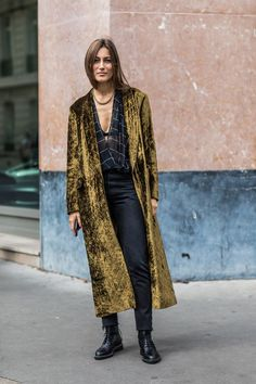 Street style à la Fashion Week printemps-été 2018 de Paris  Photo par Sandra Semburg
