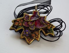 Items similar to Maple Leaf 4 on Etsy Homemade, Christmas Ornaments, Trending Outfits, Holiday Decor, Unique Jewelry, Handmade Gifts, Inspiration, Vintage, Faces