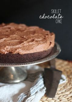 Skillet Chocolate Cake | www.cookiesandcups.com | #recipe #cake #chocolate #skillet