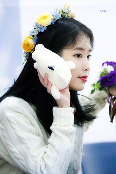 K Pop Music, Talent Agency, Love Poems, Little Sisters, Korean Singer, Girl Group, Blues, Actresses, Kpop