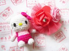 A little love everyday!: Hello Kitty amigurumi - free crochet pattern.