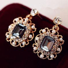 Perhiasan pesona anting busana pernikahan dengan mutiara, Menjatuhkan anting anting, Berlapis emas kristal menjuntai anting perhiasan hadiah untuk wanita E180