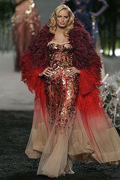 Christian Dior Haute Couture – Fall/Winter John Galliano at best. Gosh he … Christian Dior Haute Couture – Fall/Winter Dior Haute Couture, Style Couture, Couture Fashion, Runway Fashion, High Fashion, Fashion Show, Club Fashion, Couture Details, 1950s Fashion