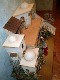 Arte yo y Arte tu: PORTAL DE BELEN RECICLADO Christmas Nativity Scene, Christmas Ideas, Portal, Gingerbread, Projects To Try, Barbie, Bird, Outdoor Decor, World