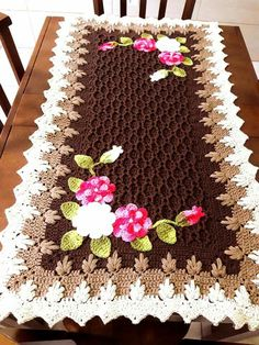 Jenny Boone's 610 media content and analytics Crochet Table Runner, Crochet Tablecloth, Crochet Doilies, Pinterest Crochet, Crochet Home, Filet Crochet, Learn To Crochet, Table Runners, Diy And Crafts