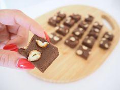 A simple, no cook fudge recipe which is naturally gluten free, refined sugar free and dairy free! You'll find the recipe for this Pumpkin Fudge now on my blog!  #fudge #homemade #pumpkin #recipe #glutenree #dairyfree #sugarfree #nowontheblog #ontheblog #newblogpost #newpost #blogpost #lavidafresca #lavidafrescaofficial #healthcoach #coaching #health #healthy #healthychoices #healthyhabits #healthyfood #healthygram #majadahonda #madrid