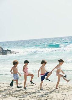 Swimsuits by Petit Bateau Beach Kids, Summer Kids, Beach Day, Kids On The Beach, Hawaii Beach, Oahu Hawaii, Best Swimwear, Kids Swimwear, Swimsuits