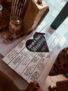 ★★ Wedding decor - Personalised Wedding Guest Board - Alternative guest book - Rustic Pallet Wedding Board ideas ★★ This lovely handmade wedding guest board can be customised to your wedding! Requests can be made for different versions. Get in touch to discuss. Other wedding decor