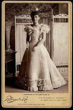 In 1893 Libbey Glass Co. built a glass factory on the grounds of the World's Columbian Exhibition in Chicago. One outstanding exhibit at the fair was a dress made of spun-glass fibers that was presented to Princess Eulalie of Spain with great fanfare.