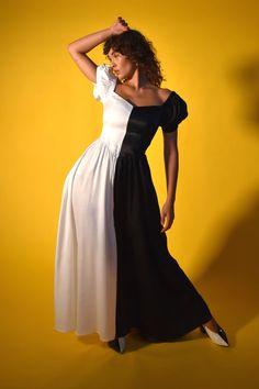 Vintage Plus Size 1990s White Black Fish Tropical Print Sleeveless Lightweight Cotton Above the Knee Length Dress Pockets Fits Sizes L XL 1x