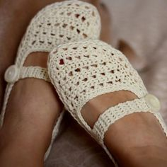 Ladies Milky Slippers, crochet pattern pdf, women house slippers
