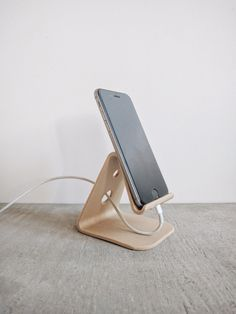 Dock Stand Smartphone iPhone Desk organizer printed in Wood Gift Idea Office decor Scandinavian decor - Iphone XS Stand - Ideas of Iphone XS Stand - Stand iPhone plus Iphone plus design minimaliste