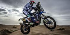 Il 6 gennaio da Lima, in Perù, prende il via la mitica Dakar, una delle competizioni più dure ed emozionanti per gli appassionati di moto (e non solo). Tra questi mostri delle due ruote ce ne sono anche 8 che vengono dall'Italia. Tra i piloti che cercheranno di arrivare a Cordoba lungo tutte le 14 tappe