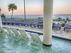 Stunning Ocean Front Views With Jet Tub, Private Balcony, Modern Decorations! (Myrtle Beach, United States of America) Myrtle Beach Boardwalk, Myrtle Beach Hotels, Beach Room, Jetted Tub, Amusement Park, Modern Decor, Balcony, United States, Ocean