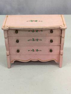 Vintage tynietoy pink dresser