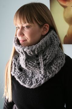 I love this cowl, most of my much loved winter jumpers have cowl-necks, this would turn EVERYTHING I own into a cowl-neck!
