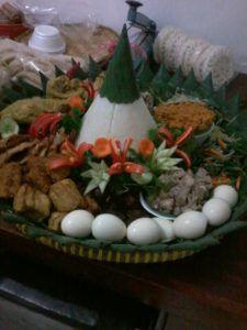 Madriga Catering 08118888653: Pesan Nasi Tumpeng di Pulo Gadung Jakarta Timur