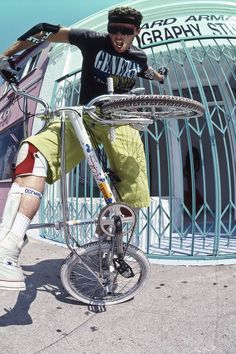 Osborn riding for General Bikes! Vintage Bmx Bikes, Velo Vintage, Haro Bmx, Gt Bmx, Bmx Racing, Bmx Freestyle, Bmx Bicycle, Bike Life, Courses