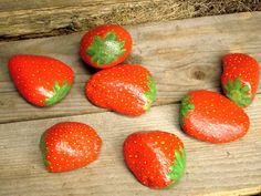 Picture of Decoy Strawberry Rocks to Deter Bird Burglars