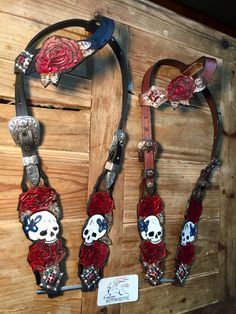 Skull headstall horse bridle one ear roses Horse Bridle, Western Horse Tack, Horse Gear, Western Saddles, Bride Cheval, Barrel Racing Tack, Tack Sets, Horse Accessories, Horse Supplies
