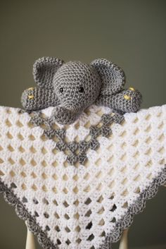 crochet security blanket Grey and White Elephant crochet granny square Security Blanket Available on Etsy - Elephant Baby Blanket, Lovey Blanket, Baby Blankets, Blanket Yarn, Crochet Crafts, Crochet Toys, Crochet Projects, Diy Crafts, Crochet Security Blanket