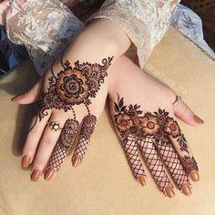 Henna Hand Designs, Mehndi Designs Finger, Latest Arabic Mehndi Designs, Floral Henna Designs, Henna Tattoo Designs Simple, Modern Mehndi Designs, Wedding Mehndi Designs, Beautiful Henna Designs, Mehndi Designs For Fingers