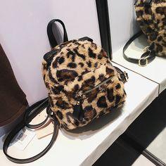 b90e16b6d386 2wayファーボアヒョウ柄 鞄 バッグ レオパード柄 柔らか ファスナーサイズ調整可能 もこもこ 収納