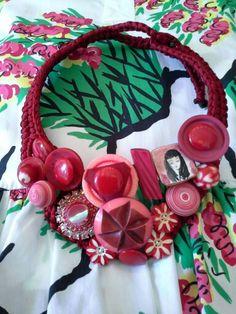 #mazzinidonnalugo #necklace #vintagebuttons #vintagebroches #uniquehandmade