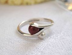 Elis Kauppi for Kupittaan Kulta, ~Modernist Silver & Carnelian Ring, 1960's.   eBay.com