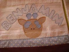 Toalhinhas social, ou lavabo. Aveludada, com nome e desenho em patchcolagem.                                                                ...