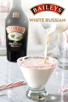 What's red, white, and just right for game night? A White Russian made with Baileys! Place crushed candy canes on a smal White Russian Recipe Baileys, White Russian Recipes, Baileys And Vodka, Baileys Cocktails, Christmas Drinks, Holiday Drinks, Holiday Recipes, Christmas Cocktail Party, Irish Cream Drinks