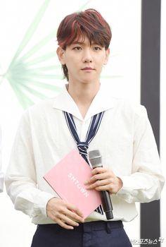 Baekhyun - 170718 Fourth Regular Album 'The War' comeback press conference    Credit: 엑스포츠뉴스. (정규 4집 '더워' 컴백 기자회견)  #EXO #EXO K #Baekhyun #170718 #exo im #exo k im #baekhyun im #170718 press conference #p:news #fs:xsportsnews